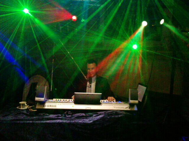 Deejay Neuss Alleinunterhalter Musiker Party Entertainer Keyboarder Karl